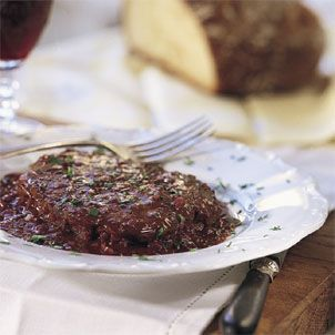 Steak with Shallot-Red Wine Sauce, Williams-Sonoma