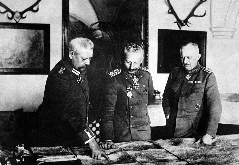 General Paul von Hindenburg, Kaiser Wilhelm II, and General Erich.