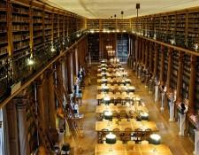 Salle de lecture Bibliothèque Mazarine depuis galerie. Photo: Remi Mathis/Marie-Lan Nguyen via Creative Commons