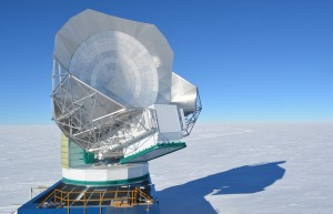 The South Pole Telescope observing during the austral summer. During 2017, SPT was outfitted with a new microwave camera, called SPT-3G, containing 10x as many detectors as the camera it replaced. The higher detector count substantially increases the sensitivity of the instrument. (photo credit: Brad Benson)