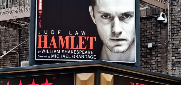 Jude Law IS Hamlet!