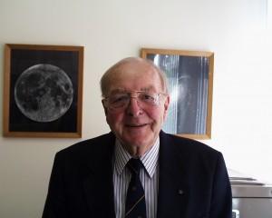 Author Stuart Ross Taylor
