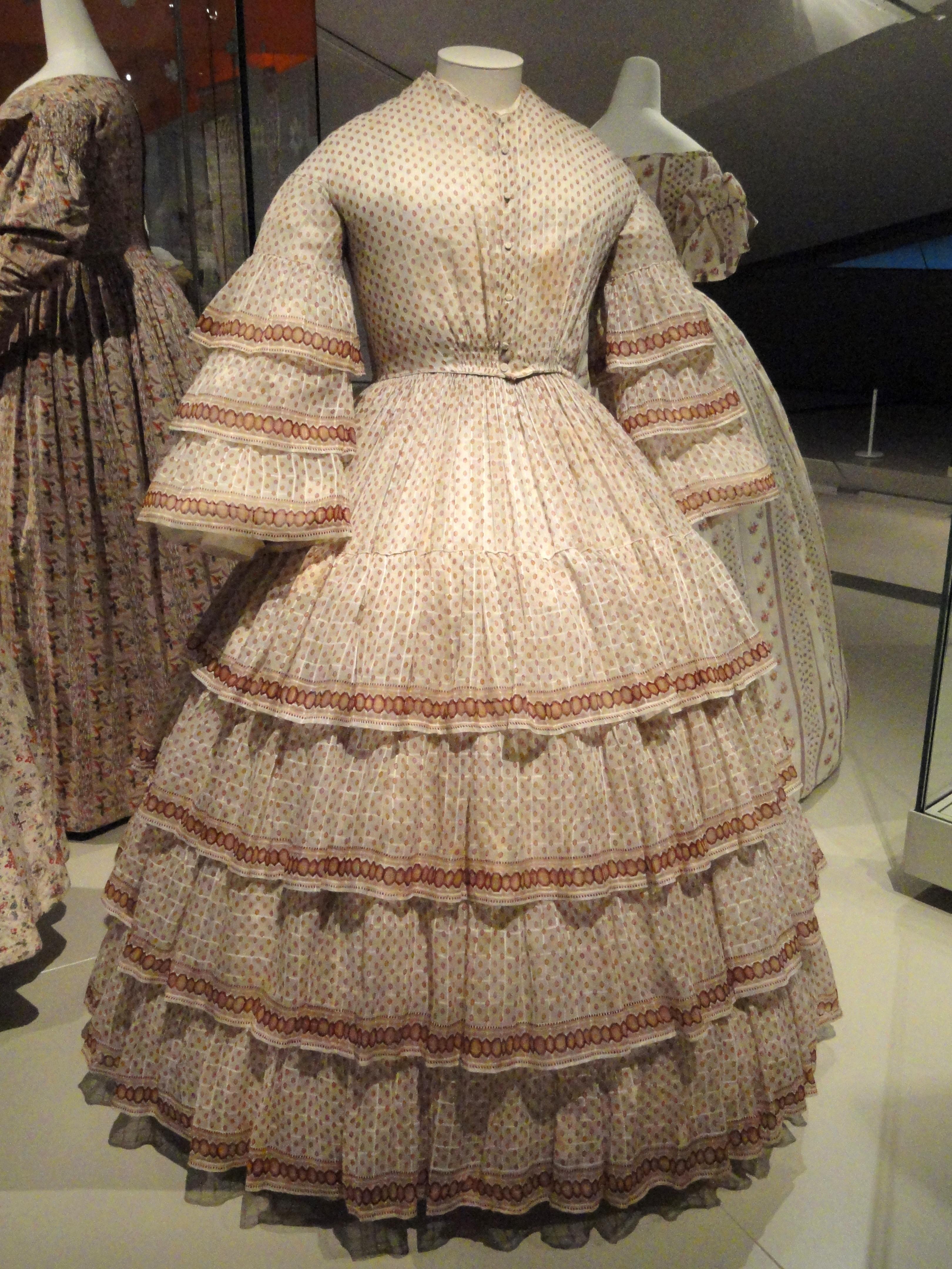 Quaker Dress | An Agreeable Tyrant